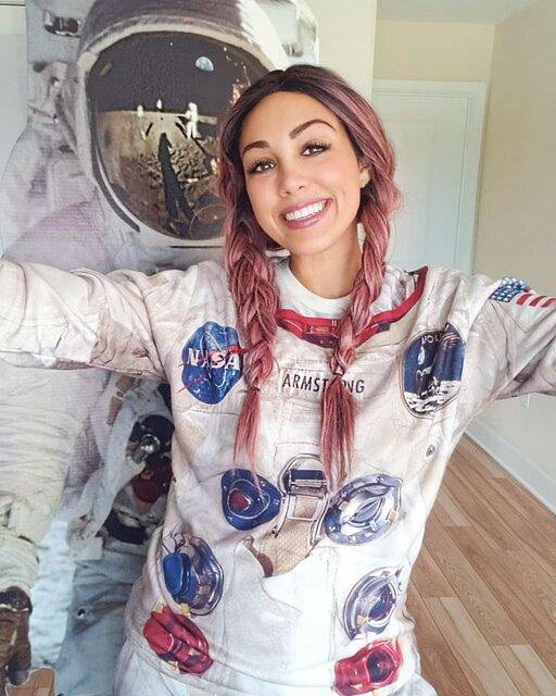 سفر ۶۰۰ هزاردلاری کلی جراردی به فضا Kellie Gerardi