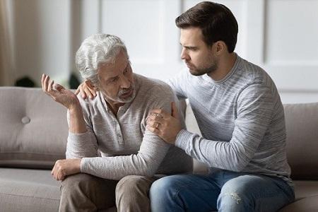 چگونه با رفتارهای ناهنجار در سالمندان برخورد کنیم؟ elderly abnormal behaviors