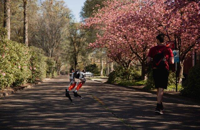 ربات دوپای کیسی Cassie مسافت 5 کیلومتر را دوید