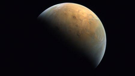 اولین تصویر کاوشگر امید از مریخ