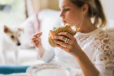 درمان اختلال پرخوری قبل از پریودی Overeating